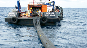 eq-offshore - inflatable-offshore-oil-boom-with-single-point-inflation-system.jpg